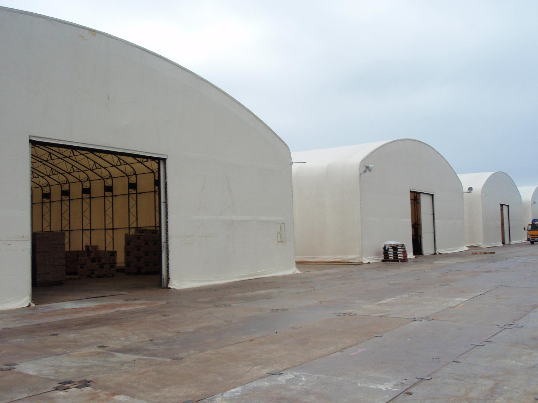 導入事例004:固定式テント倉庫イメージ