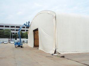 固定式仮設テント倉庫の設置の様子4