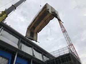 伸縮式仮設テント倉庫の設置の様子3